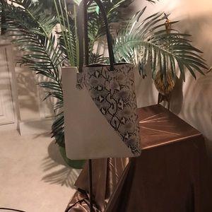 Handbags - Tote with snakeskin